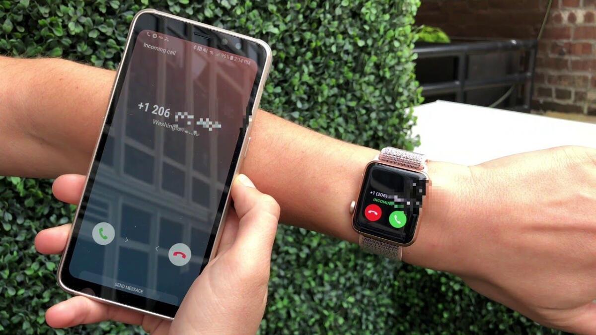 Come collegare lo smartwatch al telefono